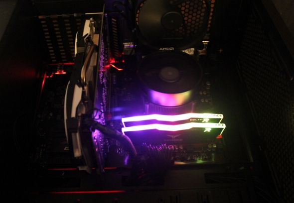 Team Group Delta DDR4 RGB Ram Color Cycles.