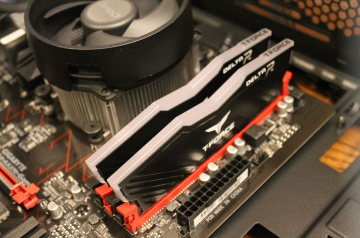 TFORCE DDR4 Delta RGB RAM at an angle to show height.