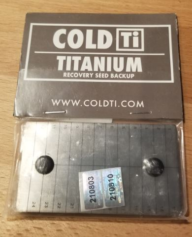 ColdTi titanium wallet packaging