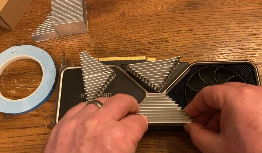 lining up the heatsink on the 3080fe triangle area